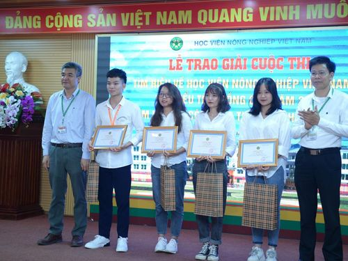 Học viện Nông nghiệp Việt Nam trao giải Cuộc thi tìm hiểu công tác tuyển sinh 2021