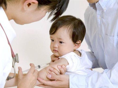 Liều tiêm vắc xin quai bị bao gồm mấy mũi? Tiêm cách nhau bao lâu?