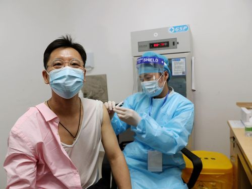 Lý do Trung Quốc khó đạt mục tiêu tiêm phòng COVID-19 cho 40% dân số