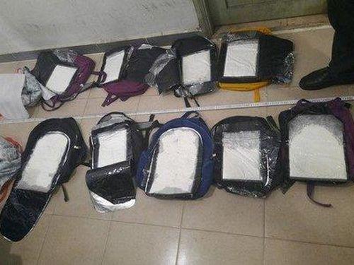 Triệt phá đường dây buôn ma túy xuyên quốc gia, thu giữ 30 bánh heroin
