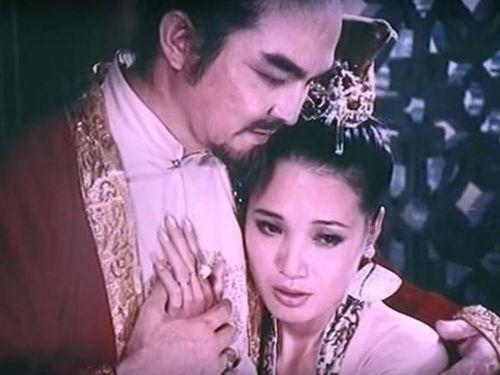 Vẻ đẹp mê hoặc chúa Trịnh của mỹ nữ Đặng Thị Huệ