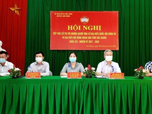 Các ứng cử viên ĐBQH và HĐND tỉnh tiếp xúc cử tri, vận động bầu cử tại huyện Sơn Động