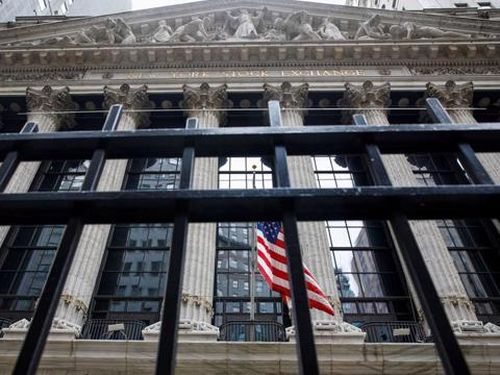 Cổ phiếu năng lượng đưa Dow Jones lên mức kỷ lục