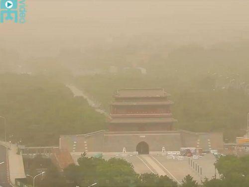 Cát bụi lại tấn công thủ đô Bắc Kinh (Trung Quốc)