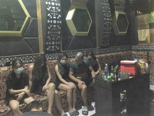 Bắc Giang: 8 đối tượng sử dụng ma túy 'bay lắc' trong quán karaoke bất chấp dịch