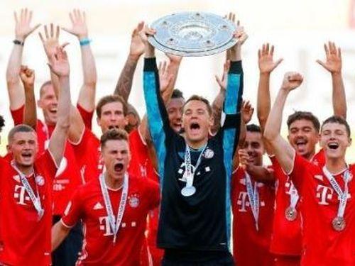 Bayern Munich vô địch Bundesliga lần thứ 9 liên tiếp