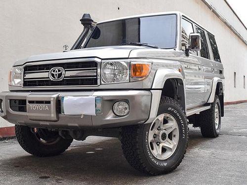 Cận cảnh Toyota Land Cruiser cổ điển bọc giáp, khoảng 1,3 tỷ đồng