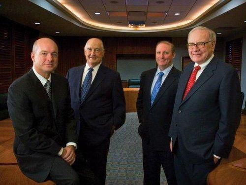 Chân dung 'soái ca 11.000 tỷ' kế vị Warren Buffett