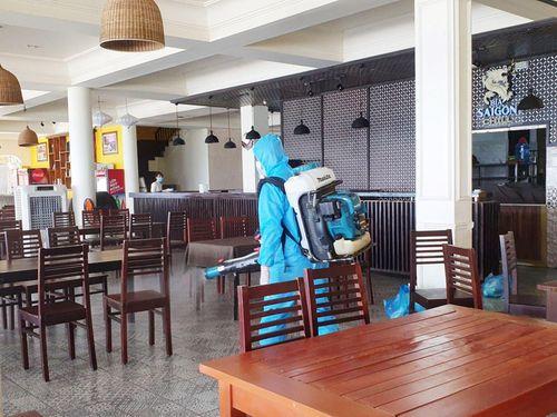 Chủ quán chè mắc COVID-19 từng dự đám cưới, giao hàng khắp các quận ở Đà Nẵng