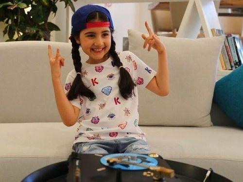 Cô bé 9 tuổi thành DJ trẻ nhất Dubai