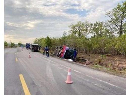 Ninh Thuận: 9 người bị thương trong vụ lật xe khách giường nằm