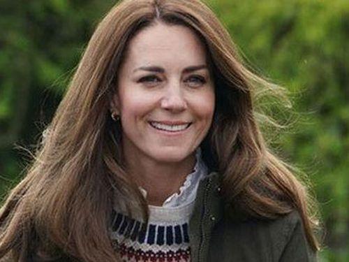 'Kate sẽ không để Meghan vượt mặt hoàng gia'