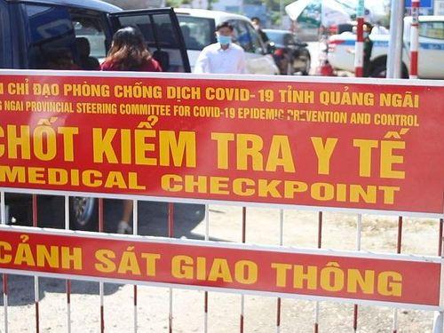 Từ 17 giờ 13/5, Quảng Ngãi dừng hoạt động vận tải khách đến các địa phương có dịch