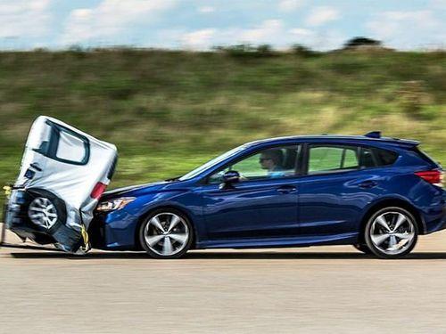 Bạn biết gì về hệ thống cảnh báo va chạm trên xe ôtô?