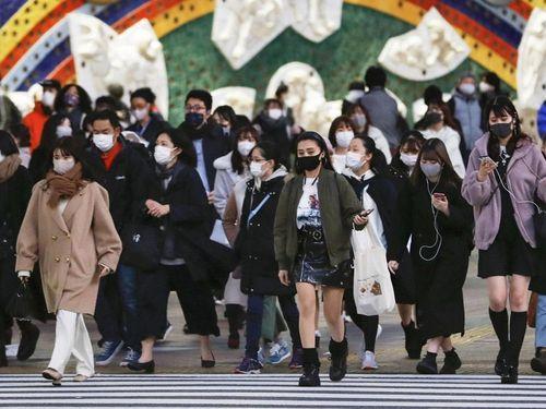 Nhật Bản mở rộng tình trạng khẩn Covid-19, Anh phân bổ vaccine đối phó biến thể Ấn Độ