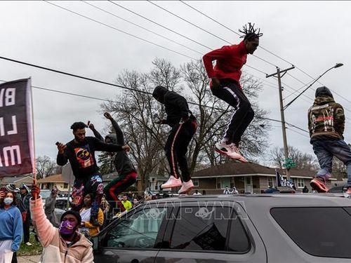 Biểu tình phản đối kỳ thị chủng tộc tại Oakland, Mỹ