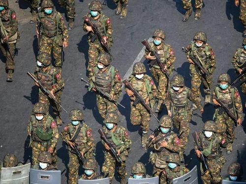 Lý do Đại hội đồng LHQ hoãn bỏ phiếu về cấm vận vũ khí với Myanmar
