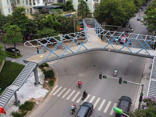 Cầu bộ hành chữ Y ấn tượng nhất ở Hà Nội