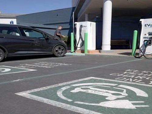 California: 90% xe Uber, Lyft phải chuyển sang ô tô điện vào năm 2030