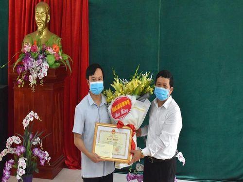 Phú Thọ: Bộ GD - ĐT tặng Bằng khen cho thầy giáo Phùng Anh Tuấn cứu 3 người đuối nước.sông Hồng