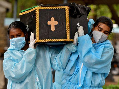 Số ca mắc Covid-19 giảm, New Delhi sẽ nới lỏng phong tỏa
