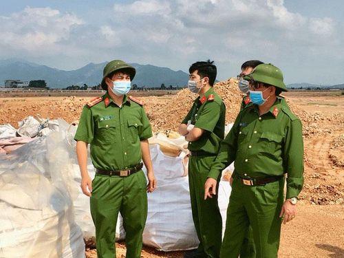 Bắc Giang: Khai quật khoảng 200 tấn chất thải Công ty TNHH Khải Hồng Việt Nam chôn trái phép
