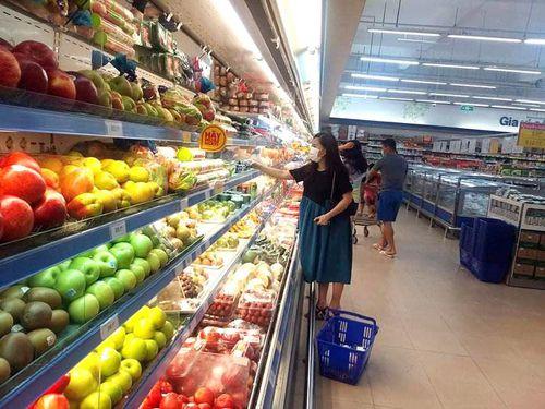 Một số mặt hàng thiết yếu tăng giá nhẹ, các siêu thị vẫn bình ổn giá