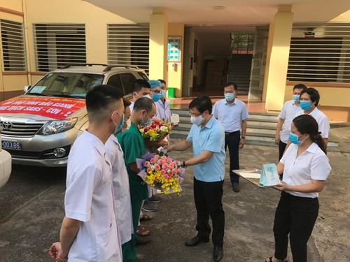 Vĩnh Phúc: Cử cán bộ y tế hỗ trợ Bắc Giang chống Covid-19