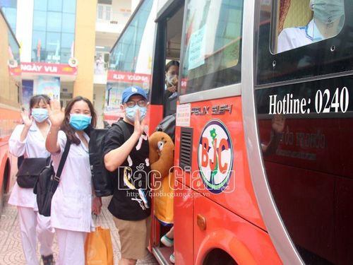 Hoàn thành hỗ trợ phòng, chống dịch, một số đoàn tình nguyện rời Bắc Giang