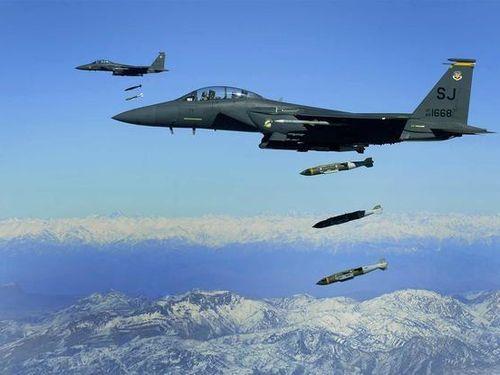 Mỹ cân nhắc không kích Taliban nếu Afghanistan rơi vào khủng hoảng
