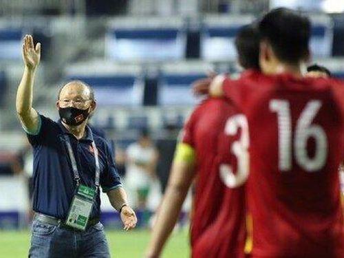 Chuyên gia: 'HLV Park Hang Seo quá giỏi và may mắn'