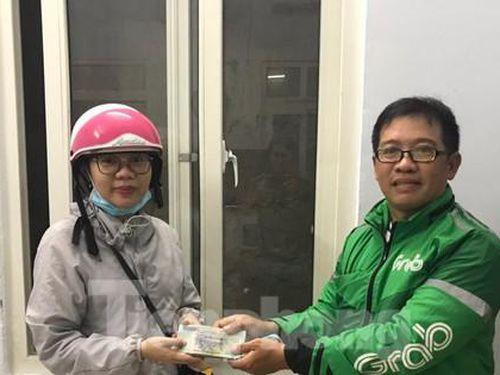 Tài xế Grab ở Nha Trang trả lại 100 triệu cho người đánh rơi