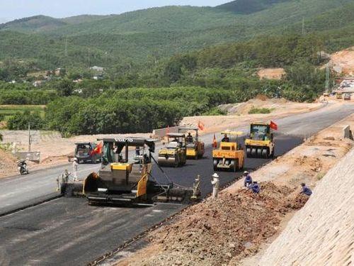 Gói thầu làm cao tốc Bắc - Nam hơn 1.100 tỷ về tay Vinaconex và Tập đoàn xây dựng miền Trung