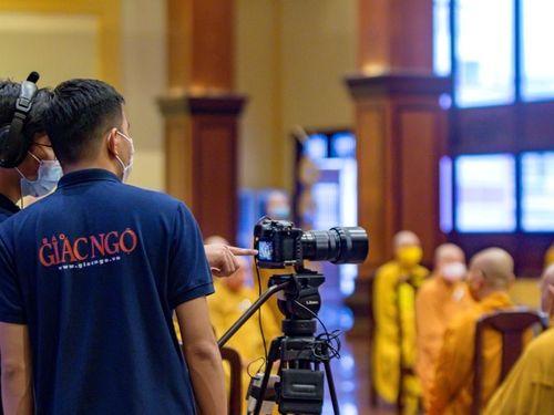 Truyền thông Phật giáo và truyền thông về Phật giáo