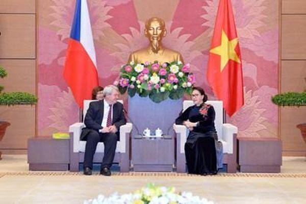 Chủ tịch Quốc hội Nguyễn Thị Kim Ngân tiếp Phó chủ tịch Hạ viện Cộng hòa Czech