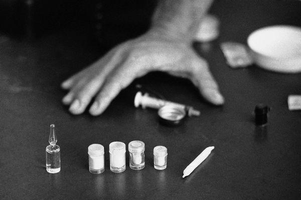 Cam Ranh: Bắt 8 đối tượng mua bán, tàng trữ, sử dụng trái phép chất ma túy