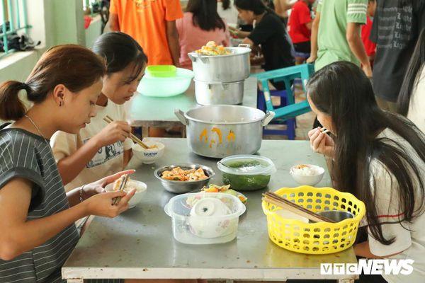 Thí sinh thi THPT Quốc gia ở Hà Giang đóng 400.000 đồng 'tiền ăn nghỉ'?
