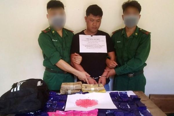 Thưởng nóng ban chuyên án phá đường dây ma túy xuyên quốc gia ở Quảng Bình