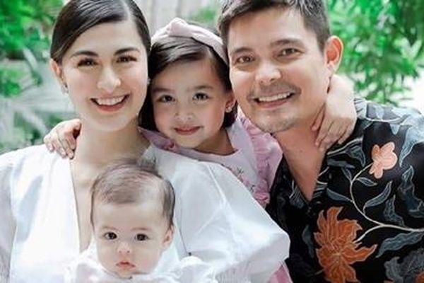 Gia đình 'mỹ nhân đẹp nhất Philippines' đẹp hoàn hảo trong lễ rửa tội