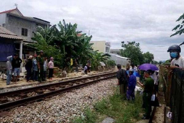 Va chạm với tàu hỏa, người đàn ông đi xe mô tô tử vong ở Huế