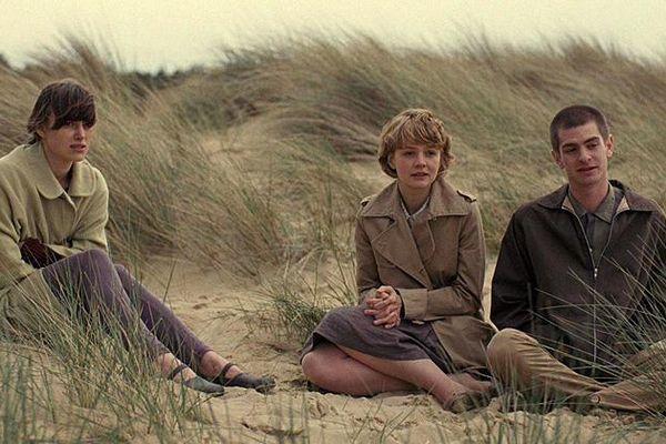 Bi thảm phận người được nuôi để lấy nội tạng trong 'Never Let Me Go'