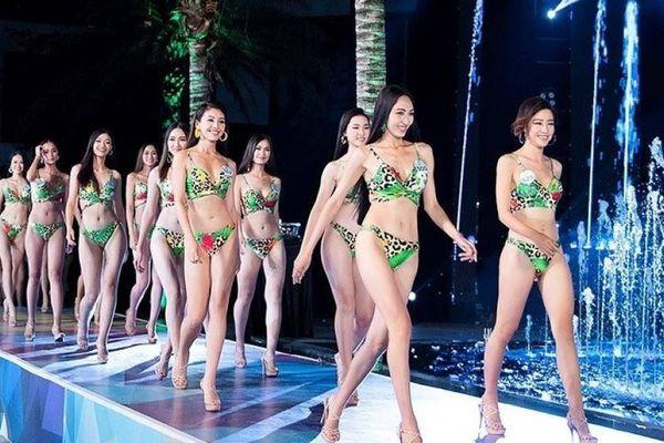 Sáng bừng với dàn thí sinh Miss World Vietnam diện bikini khoe dáng