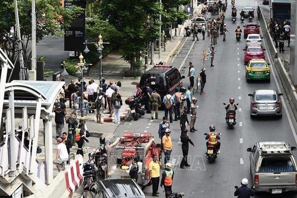 Hàng loạt vụ nổ làm rung chuyển thủ đô Bangkok
