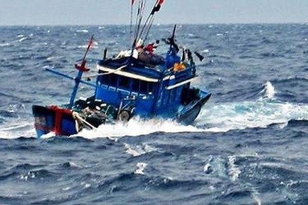 Kêu gọi tìm kiếm 4 ngư dân mất tích trên biển