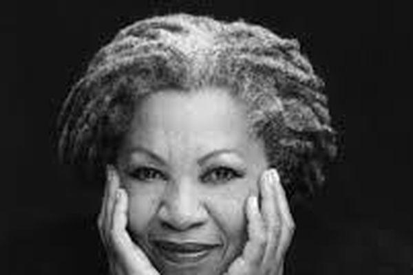 Di sản khổng lồ của nữ nhà văn Toni Morrison 'yêu dấu'
