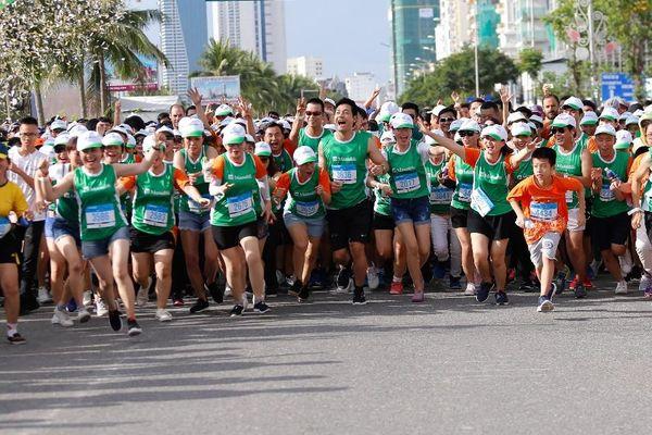 Manulife Việt Nam tài trợ dài hạn marathon quốc tế Đà Nẵng, truyền cảm hứng về phong cách sống năng động