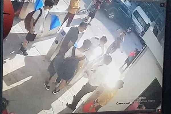 Khám nghiệm ô tô chở bé trai tử vong trong xe của trường Gateway