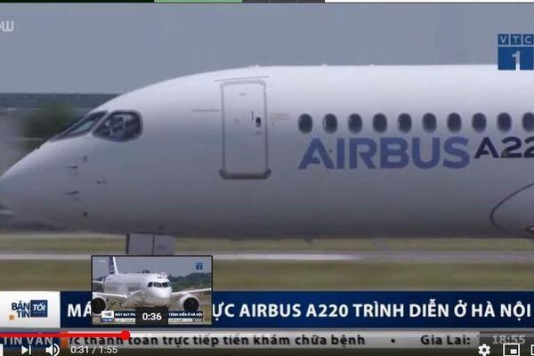 Máy bay Airbus A220 biểu diễn trên trời Hà Nội