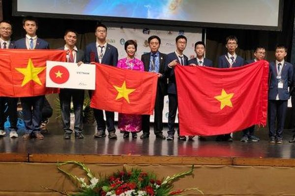 Việt Nam đoạt ba Huy chương Vàng Kỳ thi Olympic Quốc tế Thiên văn học và Vật lý thiên văn 2019