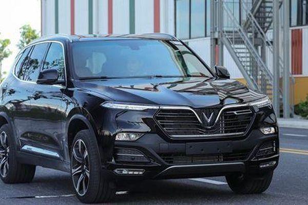 Vinfast LUX SA2.0 và Toyota Fortuner 2.8V 4x4: Cùng tầm giá, xe nào hấp dẫn hơn?